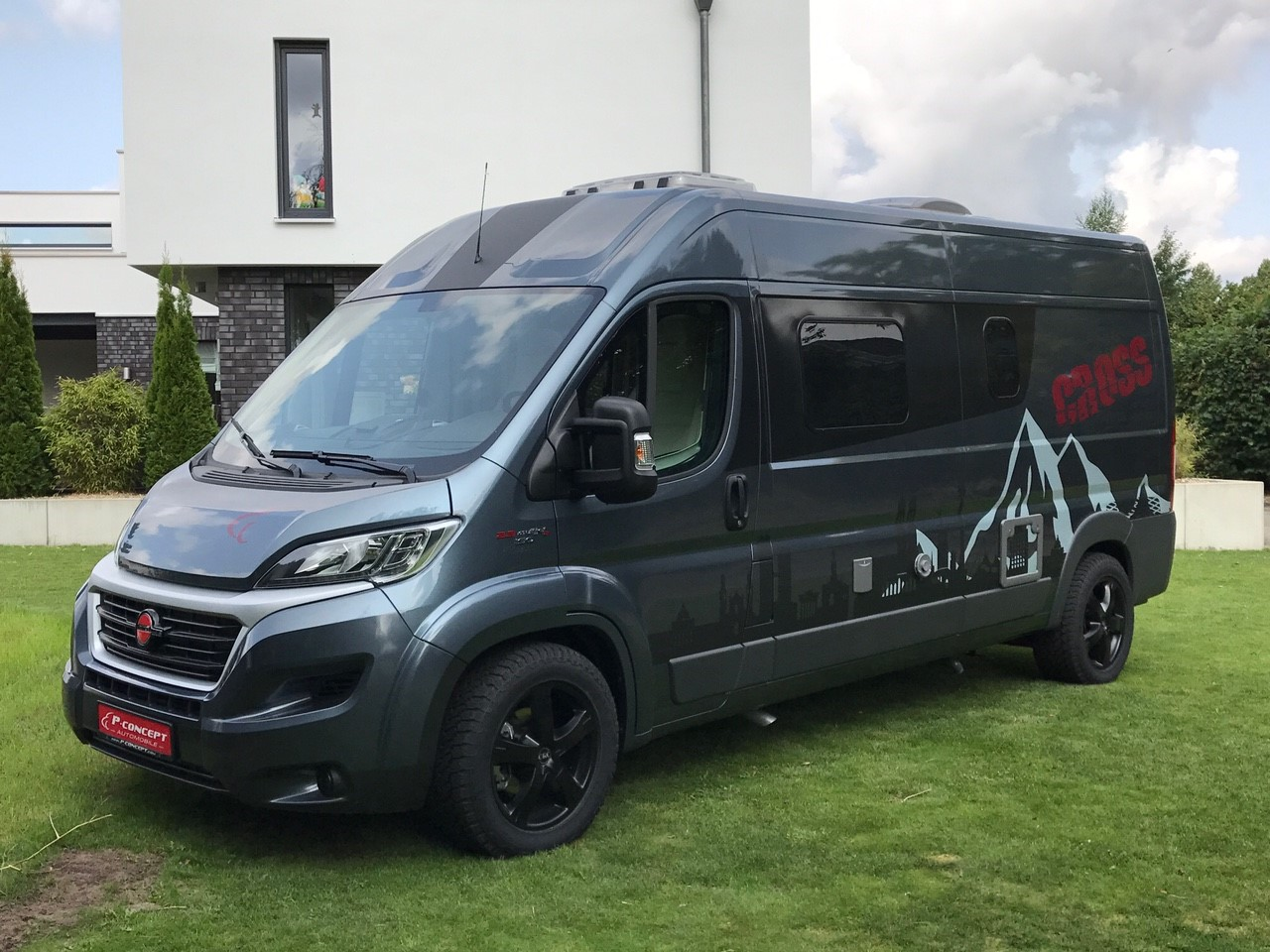 b rstner city car cross edition p concept reisemobile. Black Bedroom Furniture Sets. Home Design Ideas